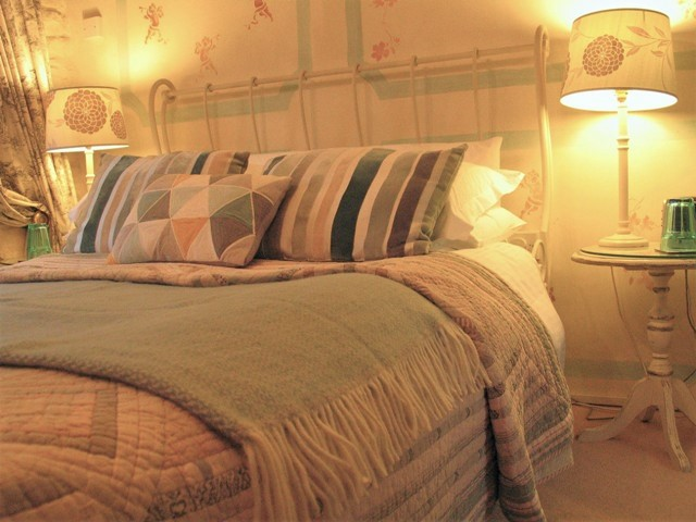 The Apricot Bedroom at Ednovean Farm - luxury Bed and Breakfast