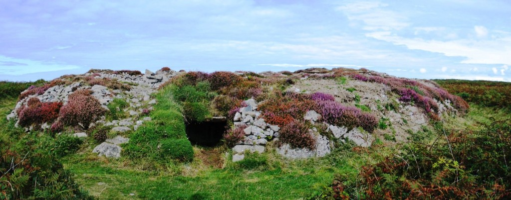 Ballowall Barrow (Carn Gloose) 3,500 - 2,5000 B.C. discovered under mining rubble
