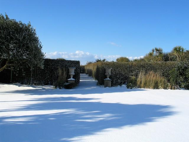 Pristine snow on the lawn at Ednovean Farm
