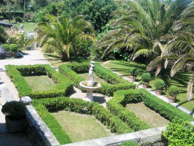 box parterre and fountain -ednovean farm june garden