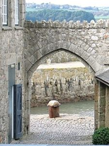 Archway exiting the mount to the harbour